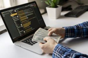 from side hustle to full-time - freelancer tips